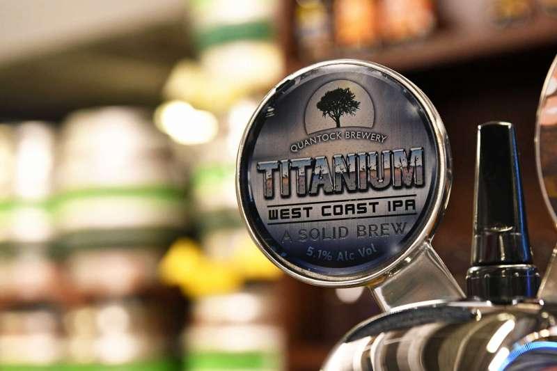 Quantock Brewery Titanium Keg Font